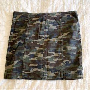 Free People Camo Mini Skirt Size 10 NEW